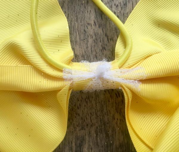 diy-belle-bow-tie-in-back