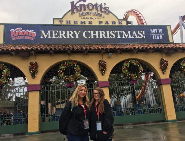 knotts-merry-farm-entrance