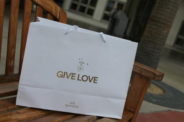 outlets-at-orange-give-love-bag