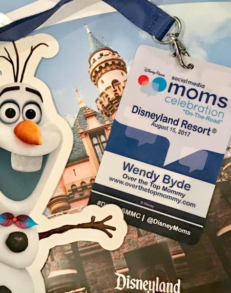 disney-social-media-moms-celebration-on-the-road-lanyard