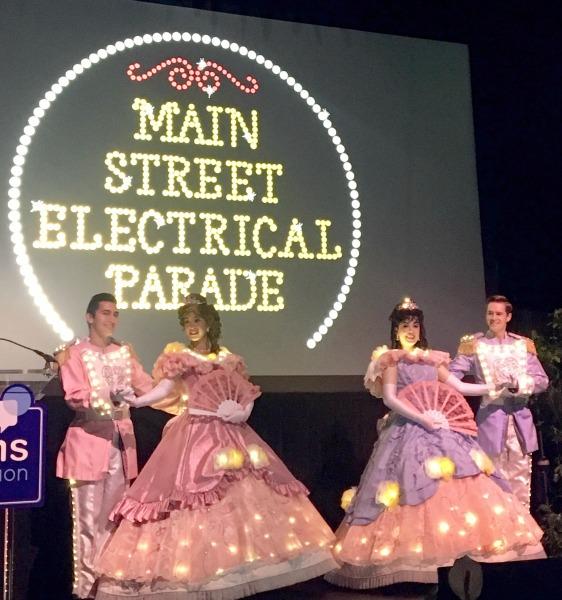 disney-social-media-moms-on-the-road-main-street-electrical-parade