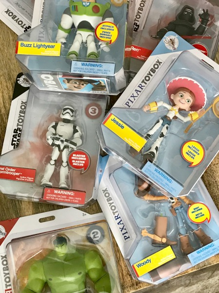 disney-store-toybox-collectible-action-figures