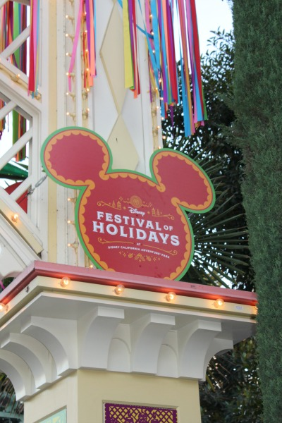 disneyland-holidays-festival-of-holidays-sign-1