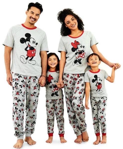 disney-store-valentines-family-pajamas