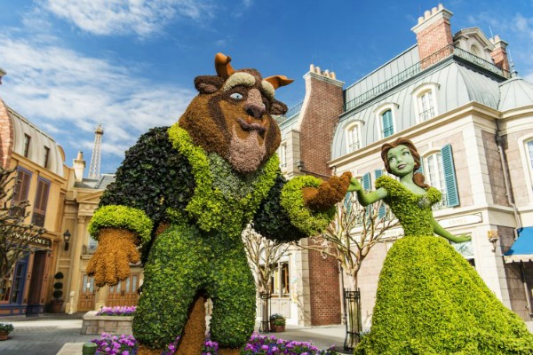 beauty-and-the-beast-topiaries