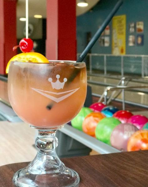 splitsville-luxury-lanes-orlando-hurricane-bowl-drink