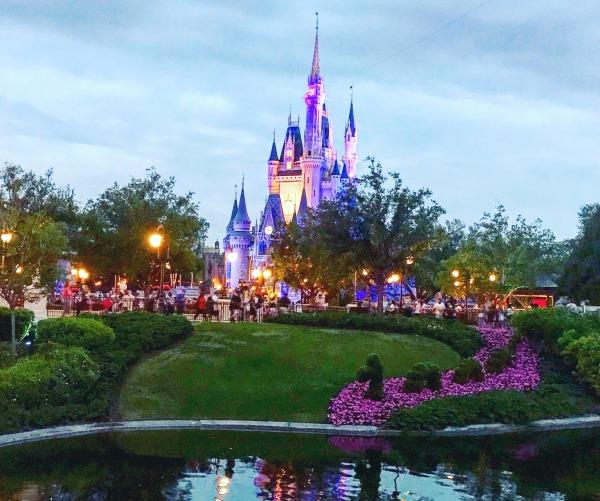 happily-ever-after-dessert-party-cinderella-castle-at-dusk