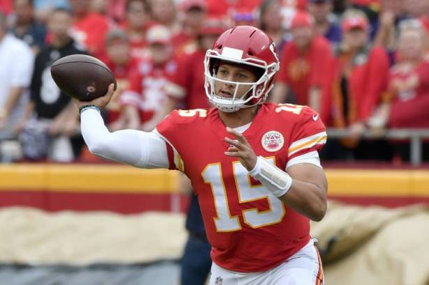 mahomes leads the chiefs passed the ravens