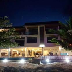 restaurant Tiki Tiki op het strand apartment