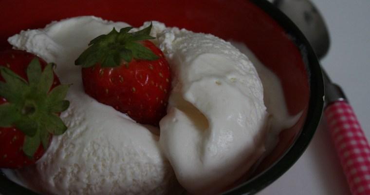 Vanille-ijs met 3 ingrediënten!