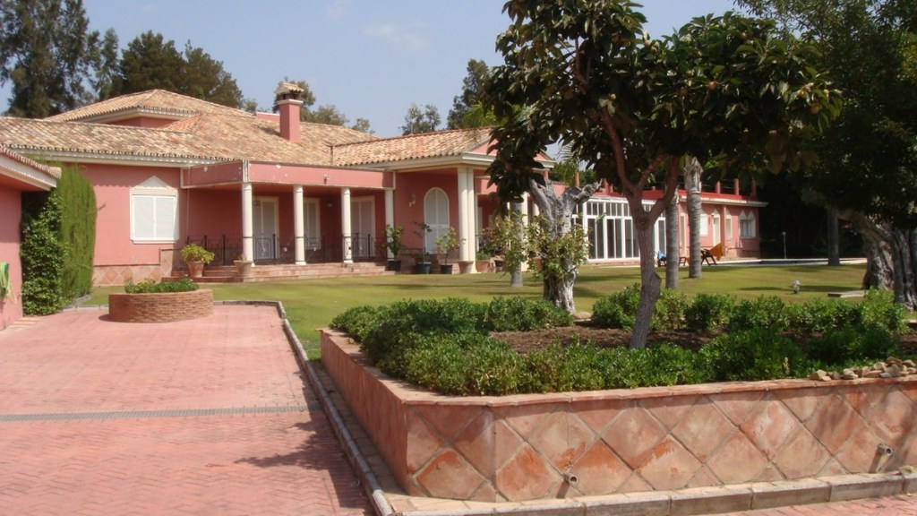 Villa – Detached for Sale in Sotogrande, Cádiz, Spain