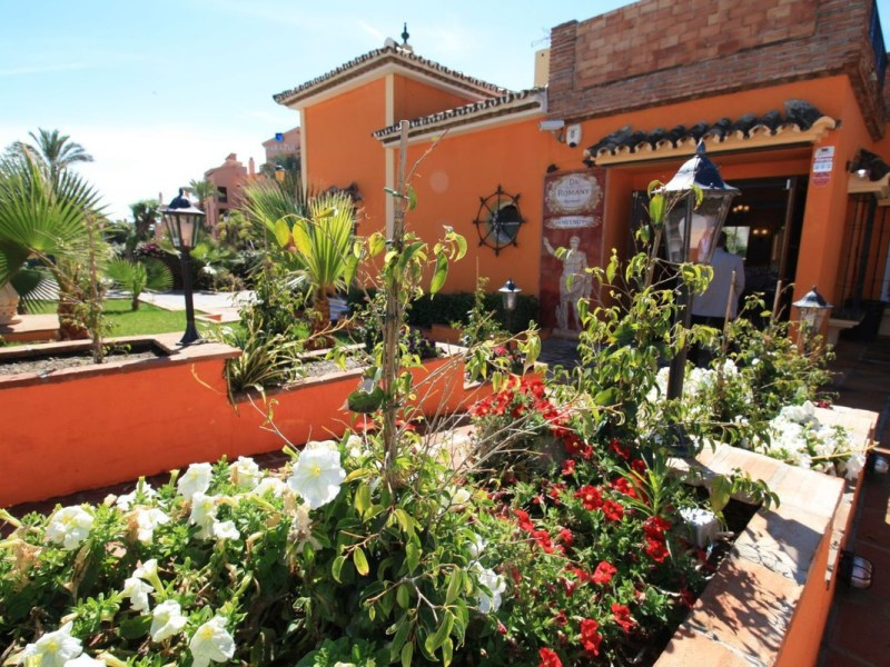 Commercial - Restaurant for Sale in Estepona