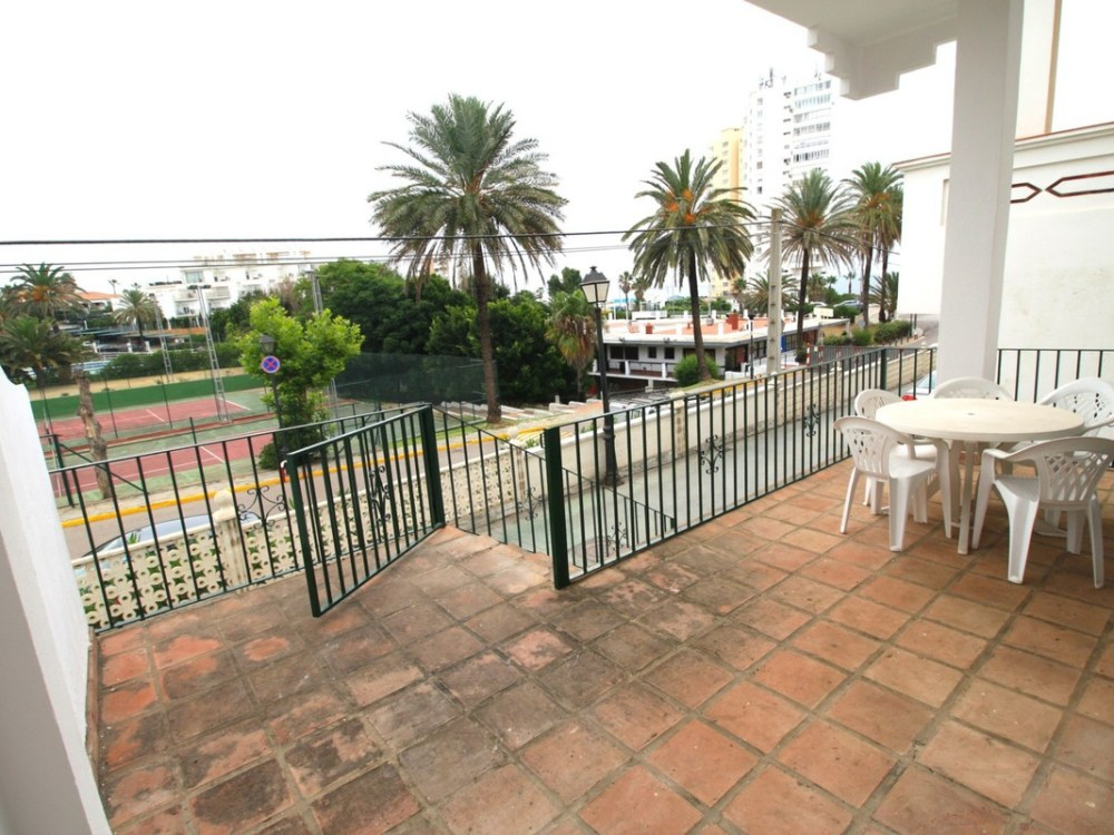 Townhouse - Terraced for Sale in Torreguadiaro