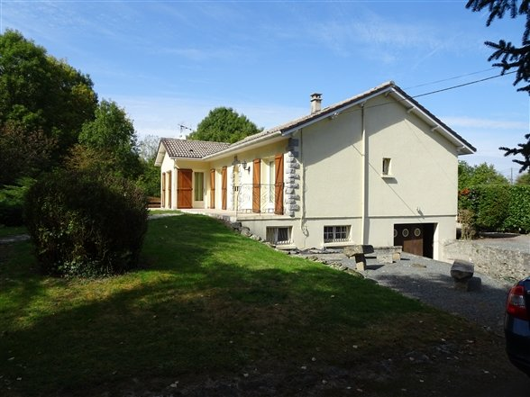 House for Sale in Pompaire