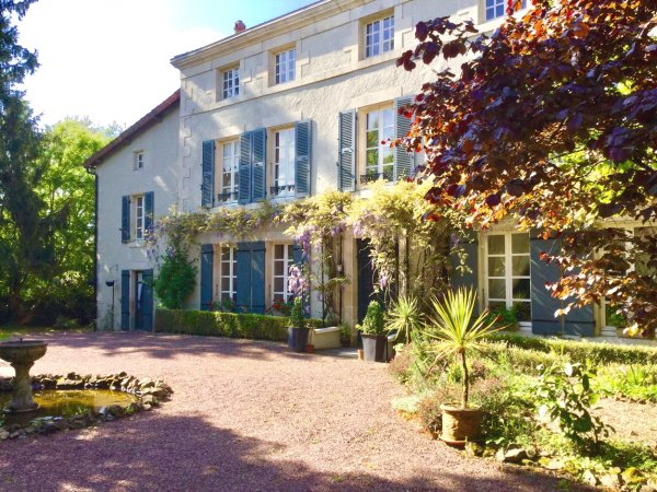 House for Sale in Mazieres-En-Gatine, Poitou-Charentes, France