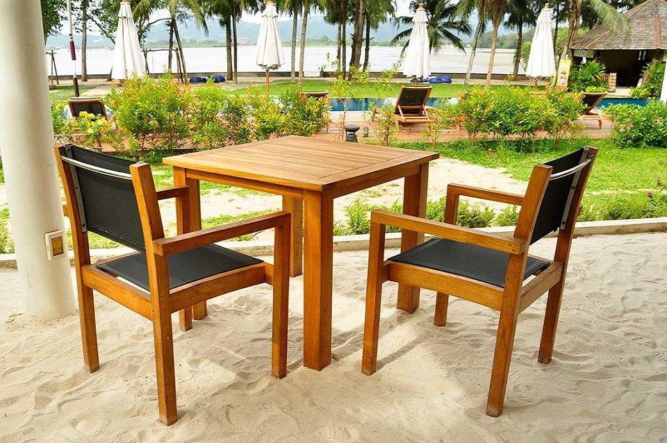 https www oviala com content 254 table et chaise de jardin en bois modeles et avantages