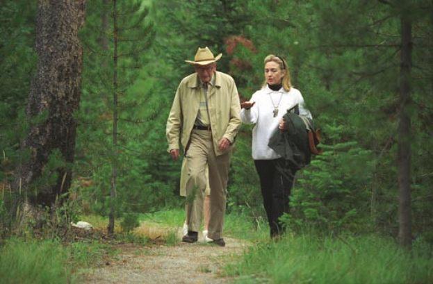 Os e-mails desaparecidos de Hillary Clinton e os arquivos OVNI