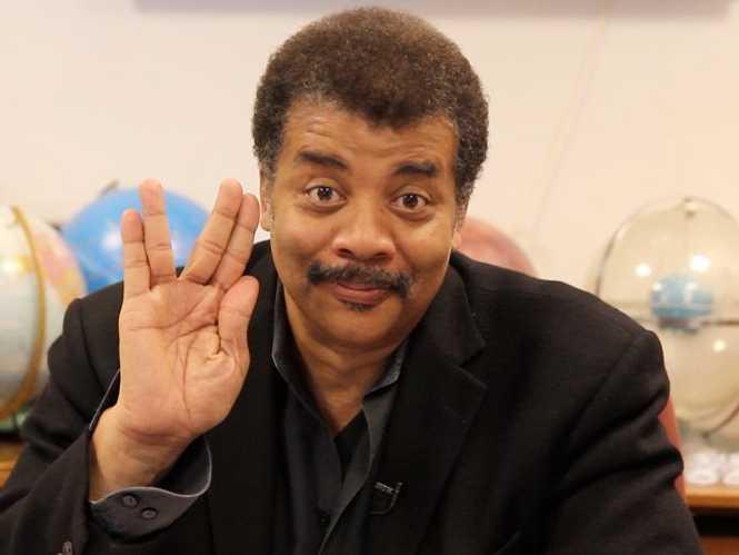 Neil deGrasse Tyson alerta que asteroide pode atingir a Terra