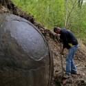 Esfera misteriosa encontrada em floresta europeia intriga cientistas 1