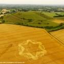 Embora polícia estava em alerta, novo agroglifo surge em Wiltshire, na Inglaterra 16