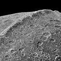 A mais misteriosa cordilheira do nosso sistema solar - Seria artificial? 34