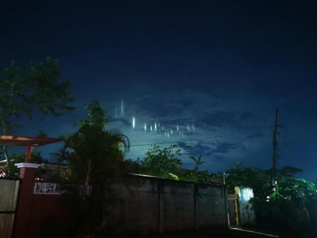 Pilares de luz aparecem no céu das Filipinas