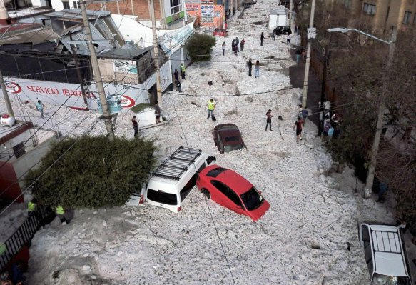 Inacreditável chuva de granizo atinge Guadalajara - México