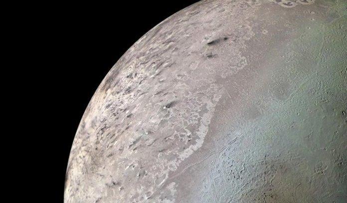 Assinatura única de luz infravermelha é detectada em lua de Netuno