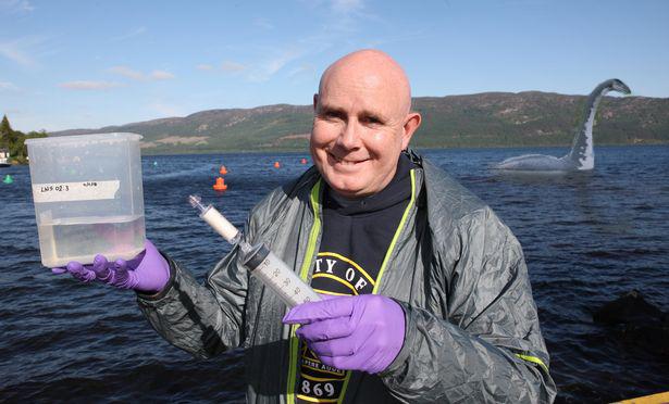 Cientista que estuda monstro do Lago Ness está pronto para revelar teoria 'plausível' sobre a criatura