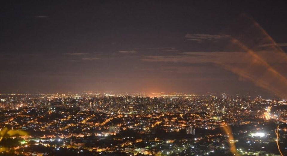 Estrondo e tremor sacode Porto Alegre, RS - Brasil