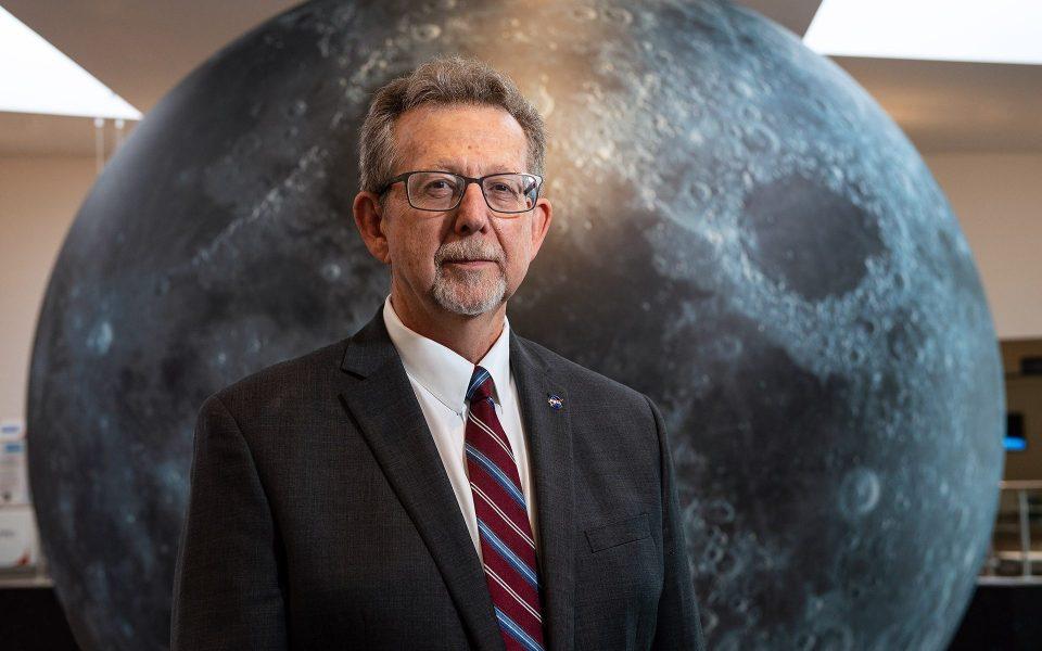 """Cientista-chefe da NASA: """"Estamos perto de encontrar e anunciar vida alienígena em Marte"""