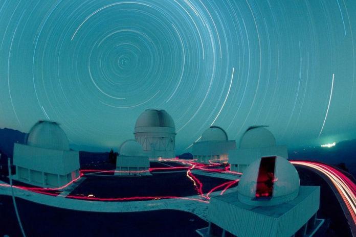 Sinais vindos do espaço podem ser de alienígenas avançados, cogitam cientistas