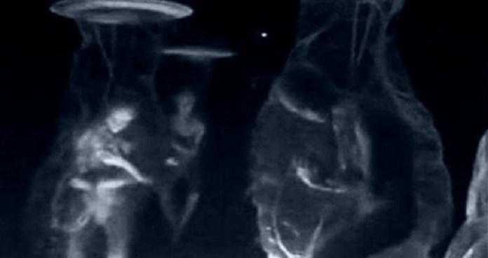"""Alienígenas estão sendo """"clonados e fabricados por unidade independente do governo"""""""