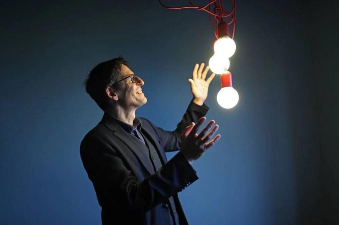 """""""Vida no universo está por toda parte"""", prevê Nobel de Física"""