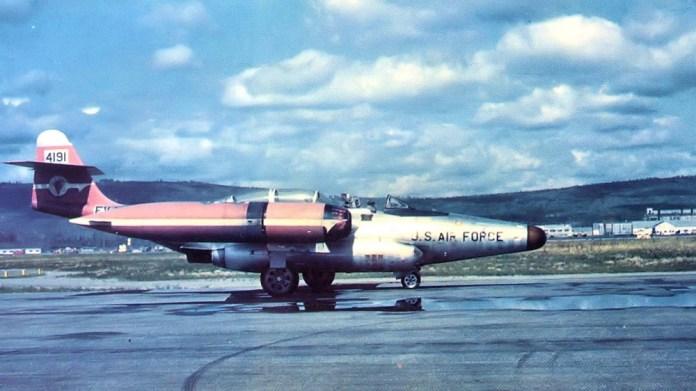 Jato da Força Aérea (EUA) desapareceu ao interceptar OVNI, em 1953