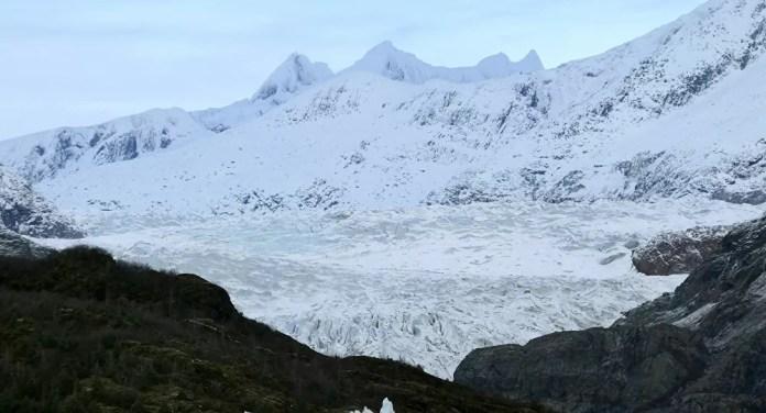Deslizamento de terra no Alasca pode causar tsunami catastrófico a qualquer hora, avisam cientistas