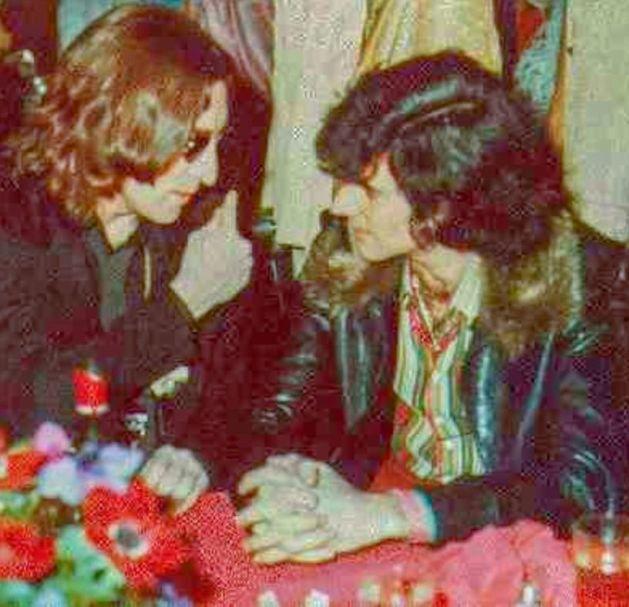 John Lennon, Uri Geller e um encontro com alienígenas mantídeos