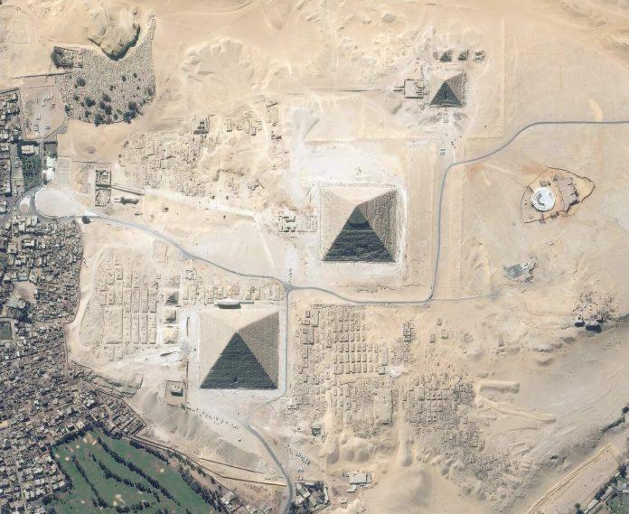 Misteriosas estruturas gigantes são descobertas perto das pirâmides do Egito