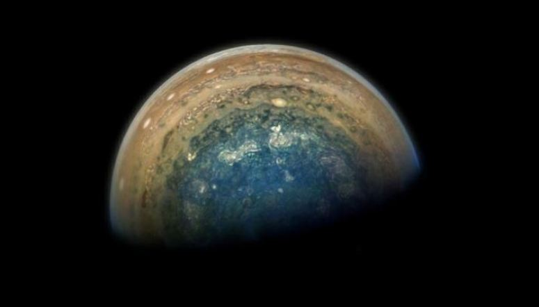NASA detecta luzes em Júpiter nunca antes observadas em outro mundo