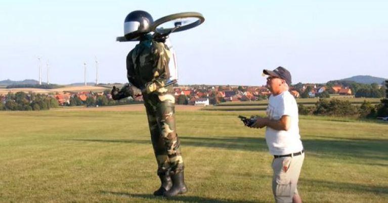 Homem com jetpack perto de aeroporto pode ter sido um drone