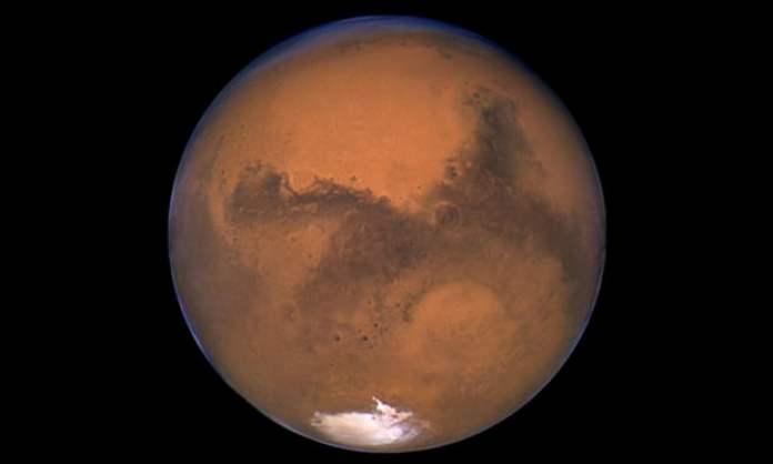 Oceanos ainda podem estar escondidos em Marte