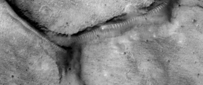 """Os misteriosos """"tubos"""" de Marte: anomalias naturais ou algo mais?"""