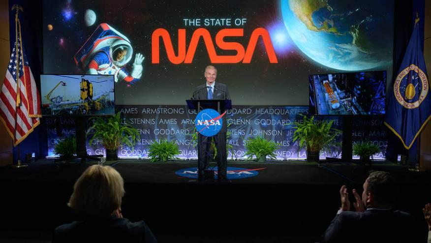 """Administrador da NASA falando sobre OVNIs: """"Eu sabia disso..."""""""
