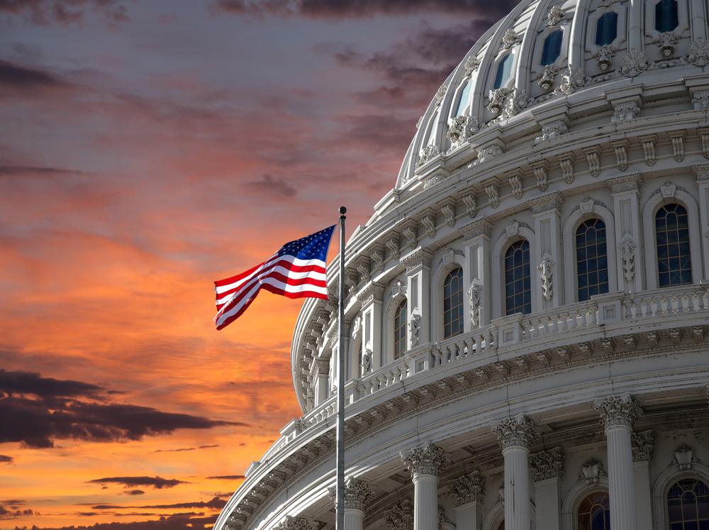 Legisladores nos EUA enviam sinais confusos após serem informados sobre OVNIs