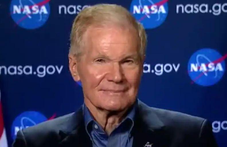 Bill Nelson diz que a NASA está procurando por vida em luas planetárias