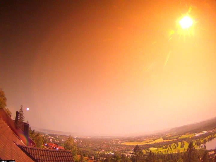 Vídeo mostra enorme meteoro iluminando todo o céu noturno da Noruega