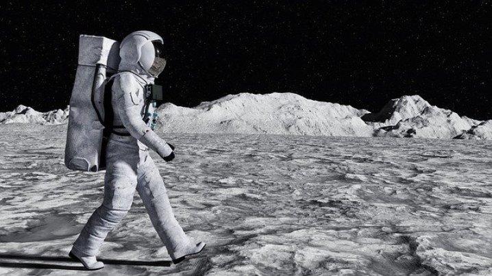 Elon Musk diz que provavelmente levará humanos até a Lua antes de 2024