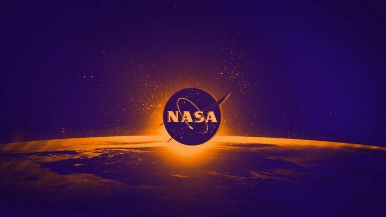 Fontes internas dizem que a NASA tem salvado o mundo do Apocalipse há dois anos