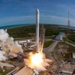 SpaceX enviará dos turistas a la Luna en 2018