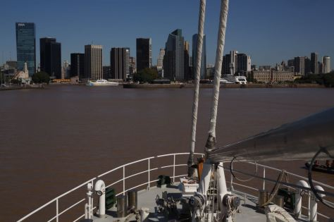 El Rainbow Warrior arriba a Buenos Aires